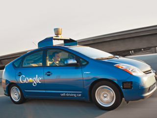 Driverless-car-accidents-who-to-blame